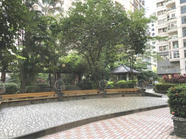 大潤發美套房,台南市北區公園南路