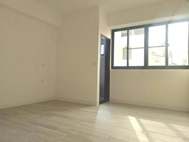 仁德全新完工車墅,台南市仁德區仁德三街