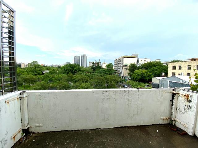 崇德路多功能店面,台南市東區崇德路