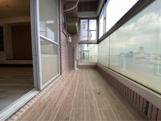 光芒萬丈文化新世紀四房車位,台南市東區中華東路三段